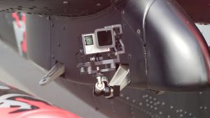 Vibration damped RUN fX cage on Red Bull helicopter