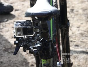 RUN fX mit GoPro Hero 4 befestigt an Rocky Mountain Bike